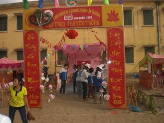 [Image]Tổng hợp cổng trại các lớp 10a3