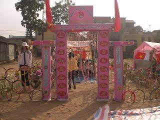 [Image]Tổng hợp cổng trại các lớp 11a11