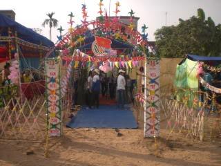 [Image]Tổng hợp cổng trại các lớp 11a5