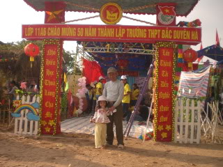 [Image]Tổng hợp cổng trại các lớp 11a6