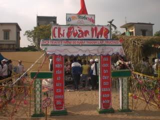 [Image]Tổng hợp cổng trại các lớp 11a8