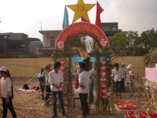 [Image]Tổng hợp cổng trại các lớp 11a9