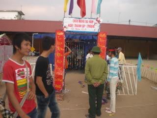 [Image]Tổng hợp cổng trại các lớp 12a1