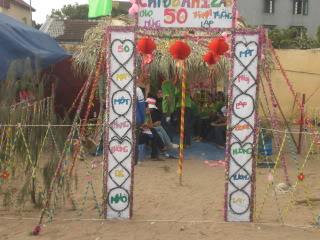 [Image]Tổng hợp cổng trại các lớp 12a8