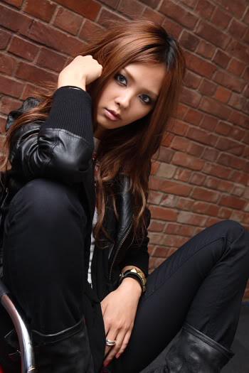 Aya Kamiki - Revolver 07/14 Gloriosa 08/11 Single Aya_kamiki_45