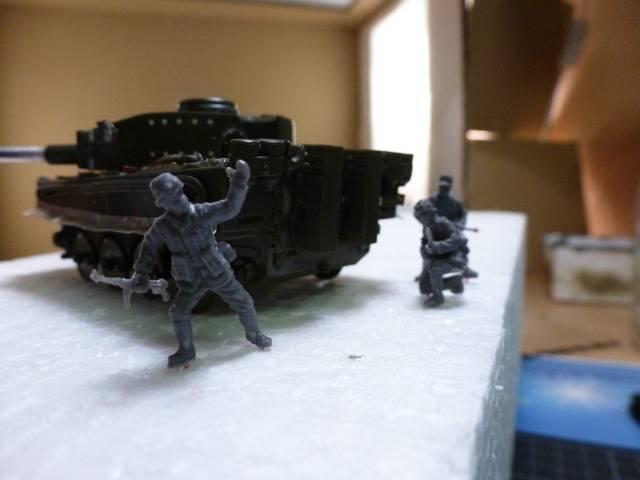 Tigre I Ausf H - Page 3 P1020504
