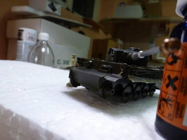 Tigre I Ausf H - Page 3 P1020505