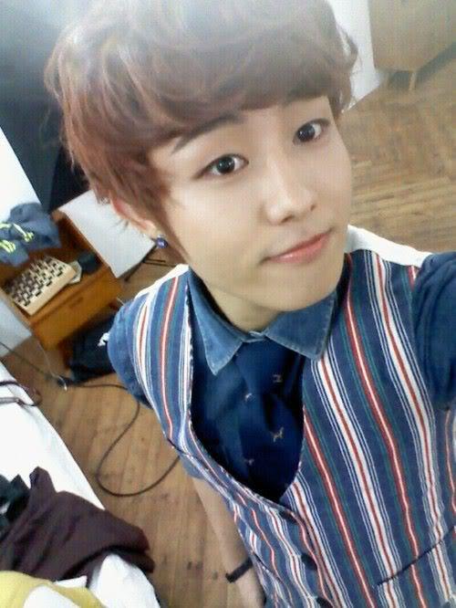 [111025] Cyworld U-Kwon + foto  Tumblr_ltm5s93lyk1qbozmto1_500