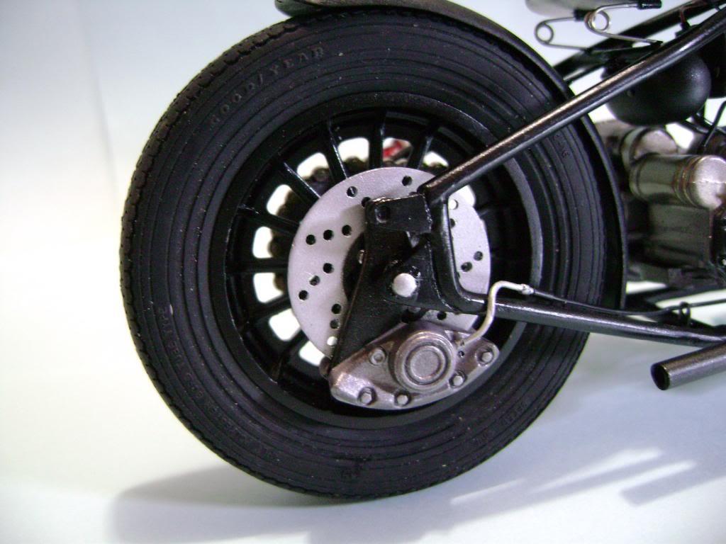Harley Davidson Bobber 1/12 DSC06334_zps311f942a