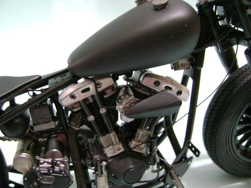 Harley Davidson Bobber 1/12 DSC06338_zpsf8ade090