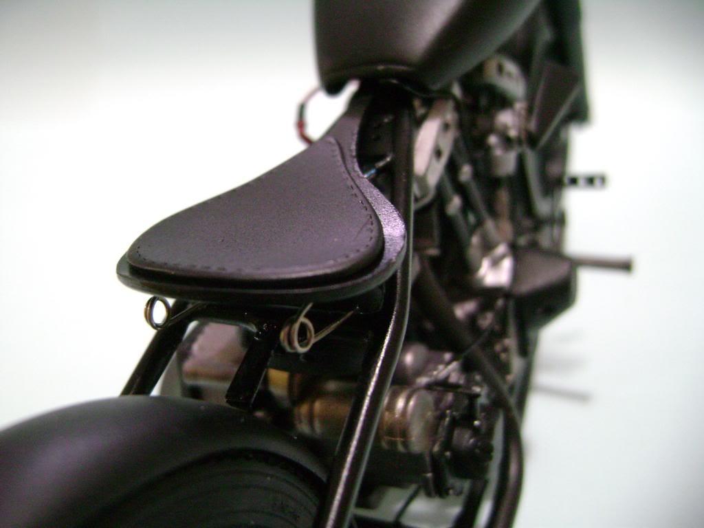Harley Davidson Bobber 1/12 DSC06340_zps58b94af7