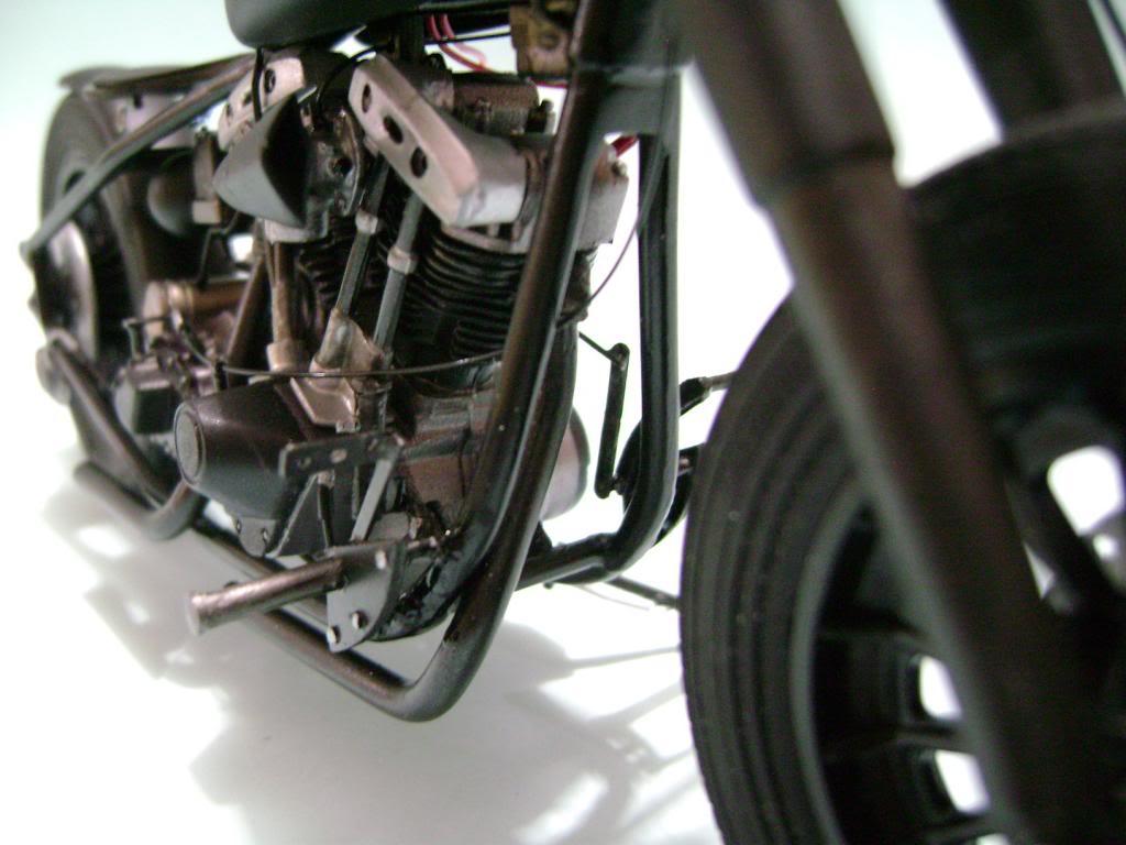 Harley Davidson Bobber 1/12 DSC06343_zpsf07d4d4b