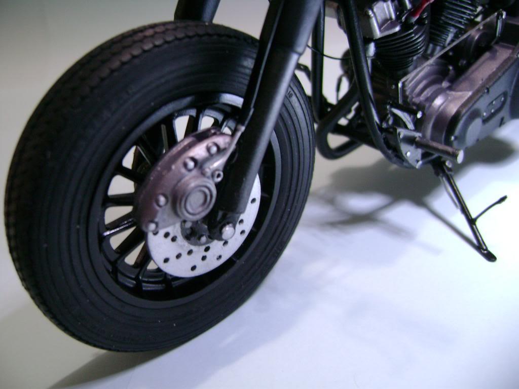 Harley Davidson Bobber 1/12 DSC06344_zps40644d59