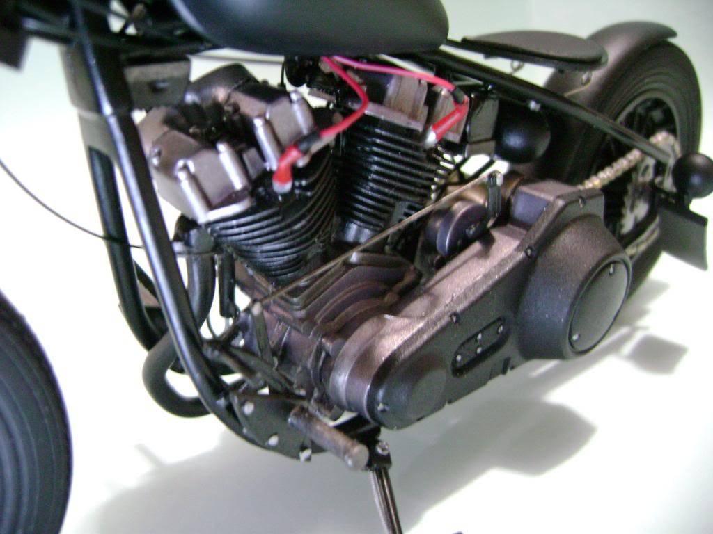 Harley Davidson Bobber 1/12 DSC06345_zps022ceb63