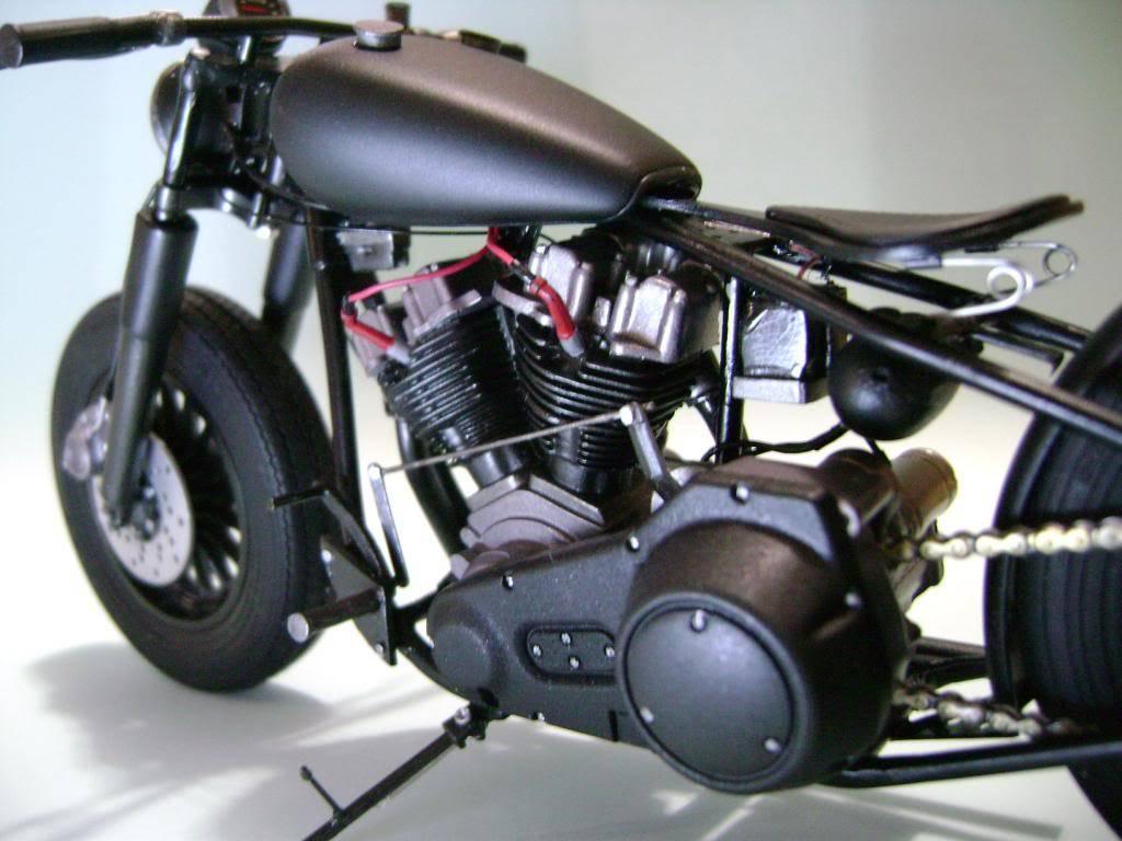 Harley Davidson Bobber 1/12 DSC06348_zpsde6826e1