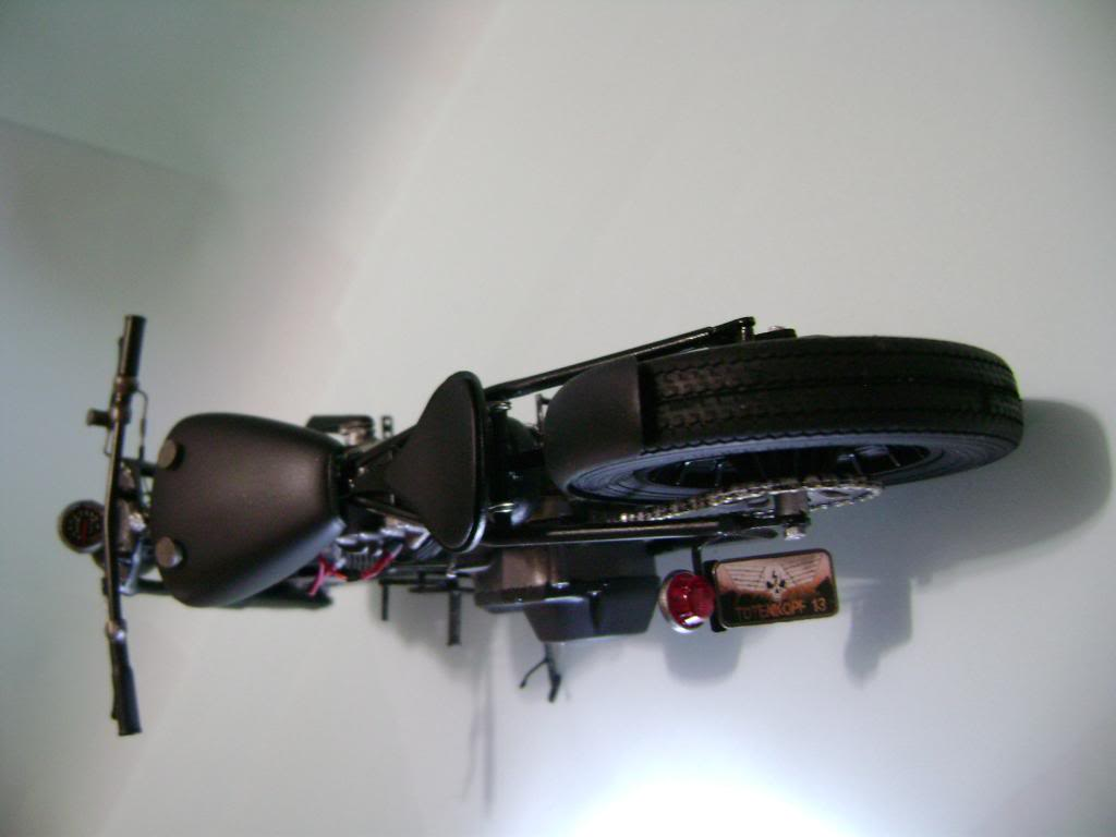 Harley Davidson Bobber 1/12 DSC06351_zpsb918ade5