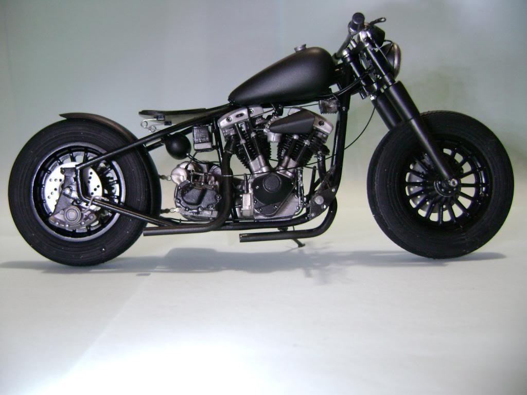 Harley Davidson Bobber 1/12 DSC06356_zps5c63359a