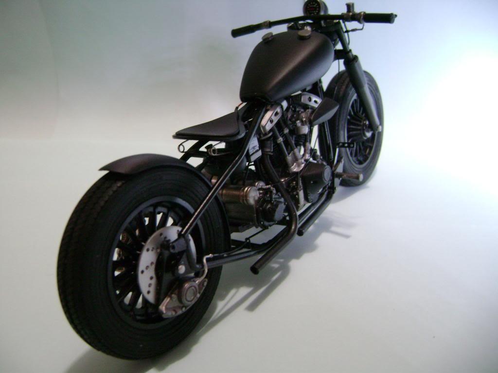 Harley Davidson Bobber 1/12 DSC06360_zps65da1ec6