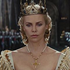 მსახიობები ,რომლებსაც დედოფლის როლი უთამაშნიათ !!! Fc8fc130727a3410de64c228b1b54ba8
