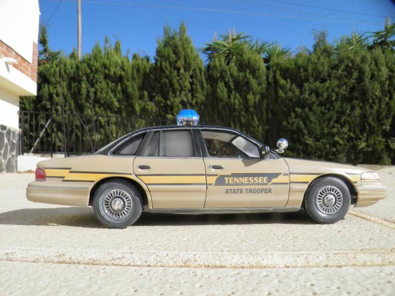 Ford crown tennessee state trooper Varios082_zps6d4d52d8