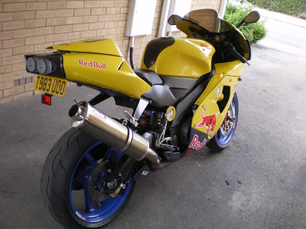 new member from south buckinghamshire - Page 2 Apriliarsvtwinmille3_zps8436069f