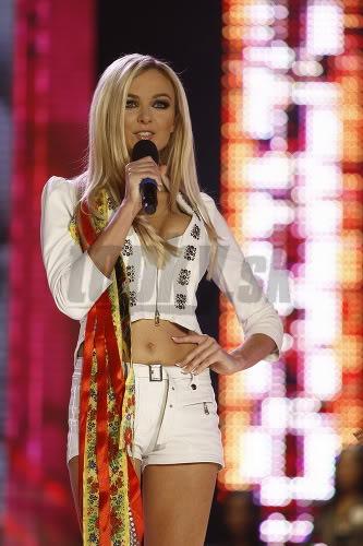Miss Universe Slovak Rep finals in PICTURES!!! Miss-universe-SR-2010-vecierok-p-12