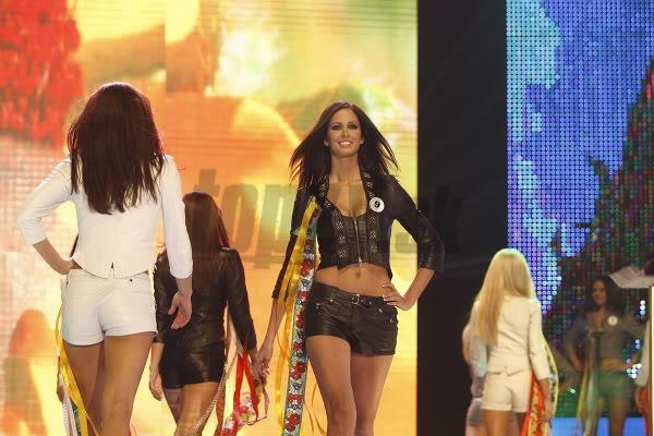 Miss Universe Slovak Rep finals in PICTURES!!! Miss-universe-SR-2010-vecierok-p-4