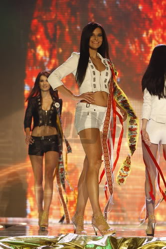 Miss Universe Slovak Rep finals in PICTURES!!! Miss-universe-SR-2010-vecierok-p-5