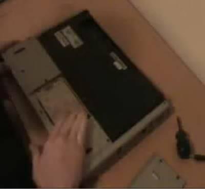 فك وتركيب الهاردسك لجهاز اللاب توب من نوع سوني وتوشيبا 12