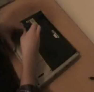 فك وتركيب الهاردسك لجهاز اللاب توب من نوع سوني وتوشيبا 15