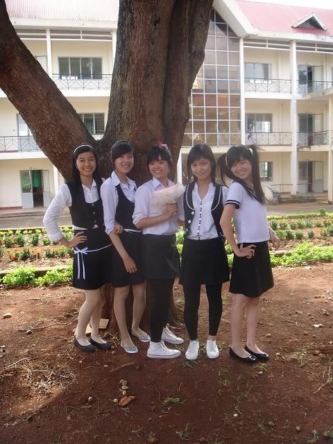 Ảnh Sau Văn Nghệ 19/11 - 12A2 DSC00326