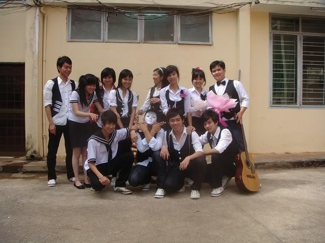 Ảnh Sau Văn Nghệ 19/11 - 12A2 DSC00329