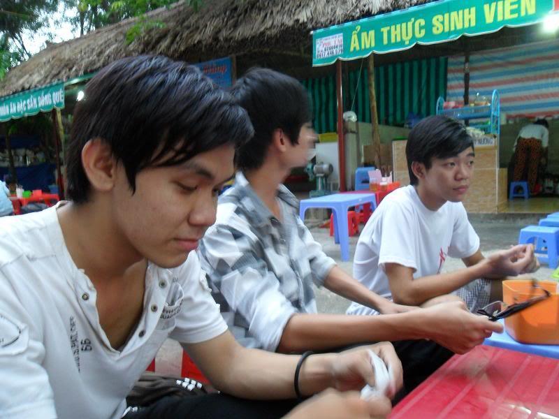 Chùm ảnh A2Pro thăm làng ĐH hôm sinh nhật thằng Ve  SAM_0102