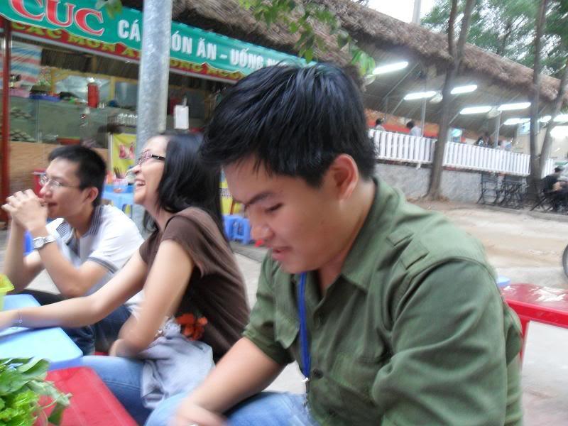 Chùm ảnh A2Pro thăm làng ĐH hôm sinh nhật thằng Ve  SAM_01052