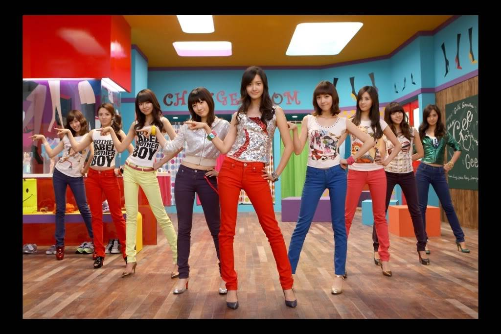 Post your favorite Kpop Artists' Pictures here!!~ ^_^ Snsd