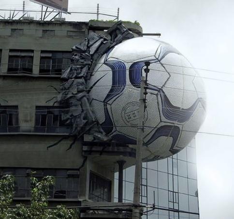 விசித்திர விளம்பரங்கள் Creative_ads_on_buildings-10_zps096ad7ae