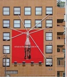 விசித்திர விளம்பரங்கள் Creative_ads_on_buildings-11_zpsec20f60e