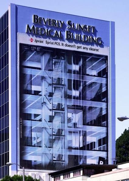 விசித்திர விளம்பரங்கள் Creative_ads_on_buildings-13_zpsf44451c5