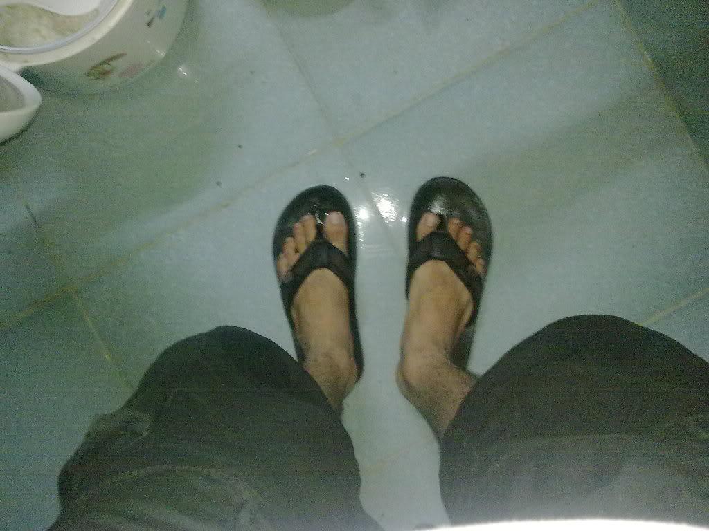 Ký sự những ngày mưa dột tại nhà trọ ( Hot...hot...!!) 12102010029
