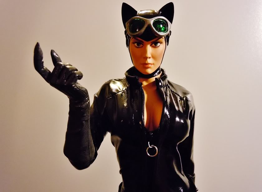 CATWOMAN 1:4 SCALE MUSEUM QUALITY Statue  - Page 2 DSCN2775