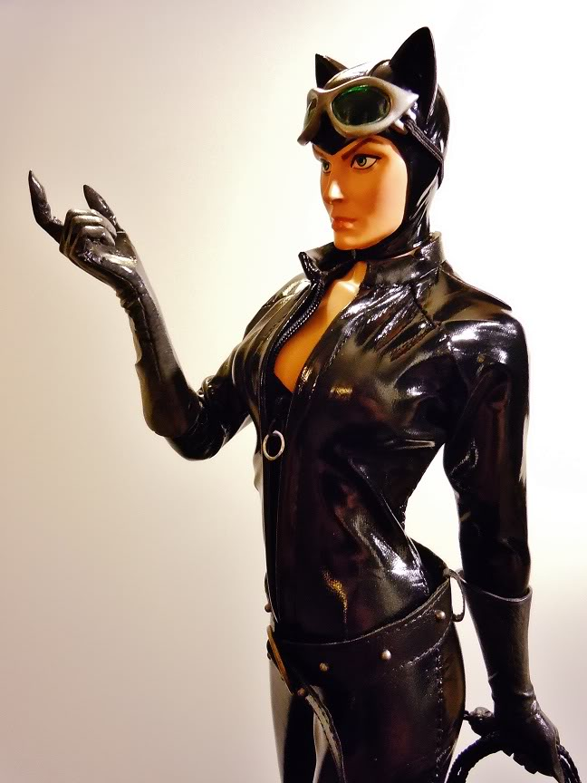 CATWOMAN 1:4 SCALE MUSEUM QUALITY Statue  - Page 2 DSCN2776