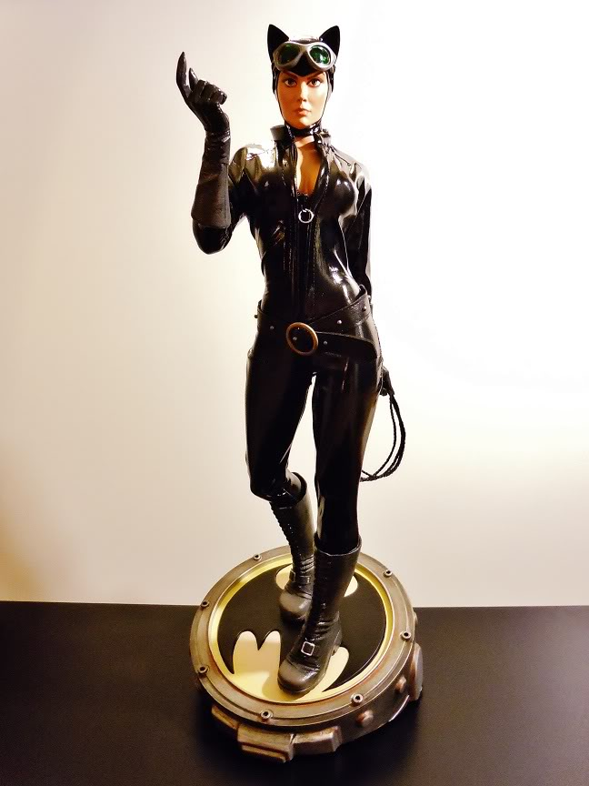 CATWOMAN 1:4 SCALE MUSEUM QUALITY Statue  - Page 2 DSCN2778