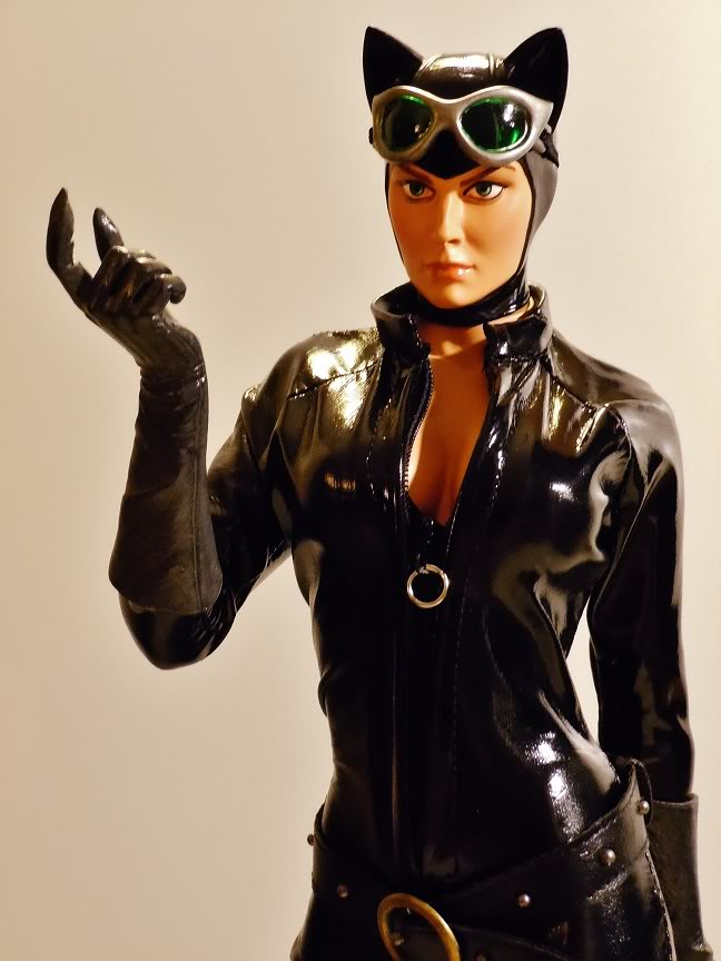CATWOMAN 1:4 SCALE MUSEUM QUALITY Statue  - Page 2 DSCN2792