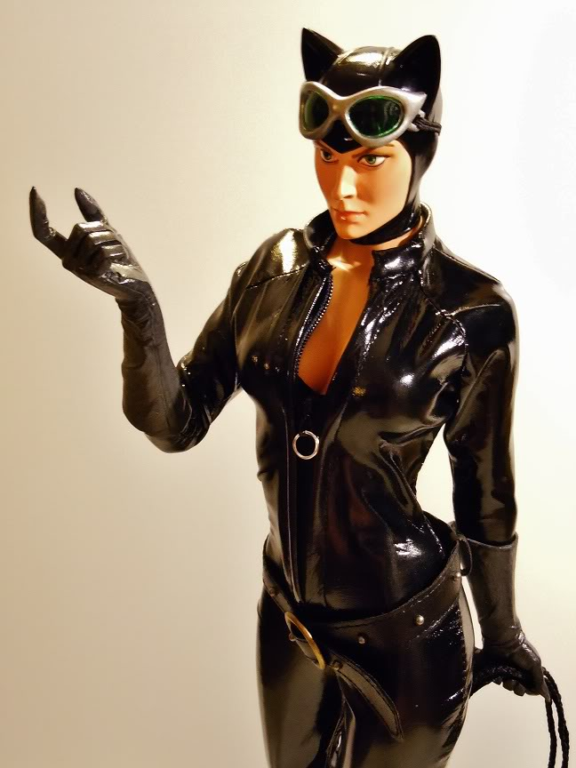 CATWOMAN 1:4 SCALE MUSEUM QUALITY Statue  - Page 2 DSCN2795