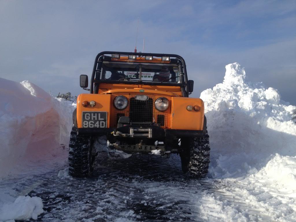 Deep snow IMG_4727_zps853b9c65