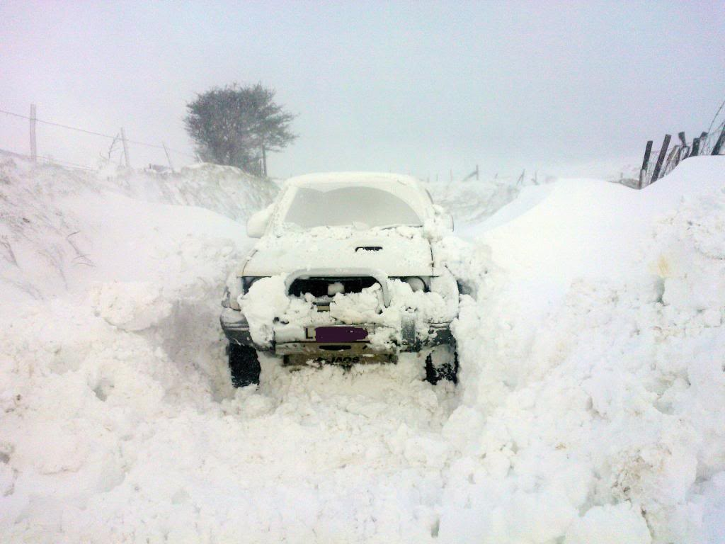 Deep snow WP_000315_zps58a2db93