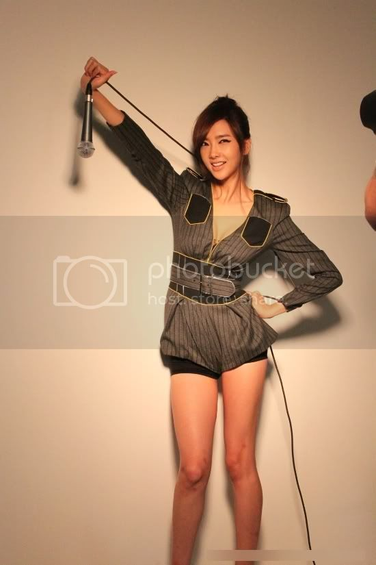 "[Oficial/photos] Rana @ Elle Korea ""Behind-the-scenes"" Cc8cb5ea"
