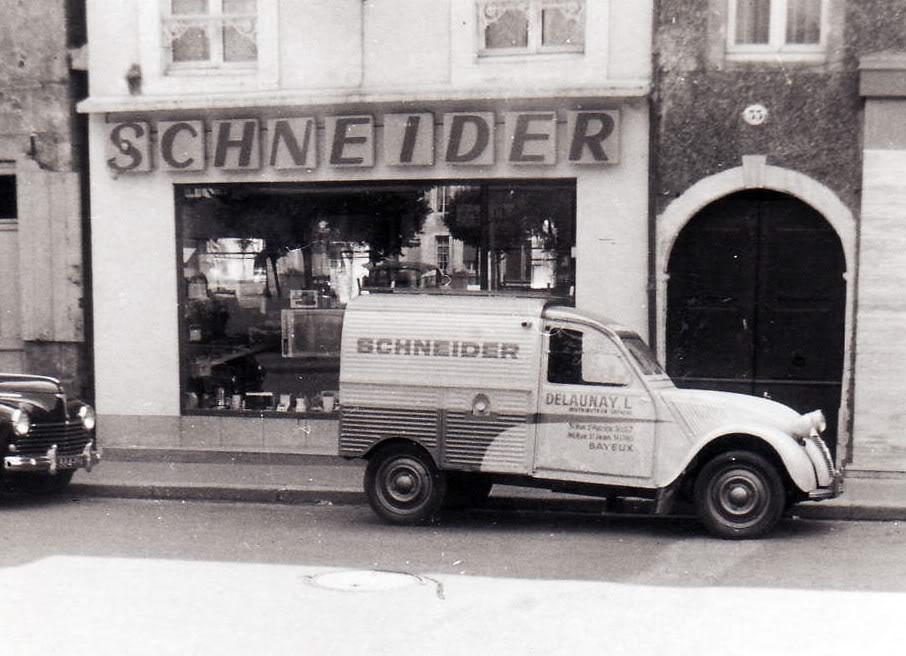 Photos et cartes postale 2cv camionnette  2cvazuSchneider