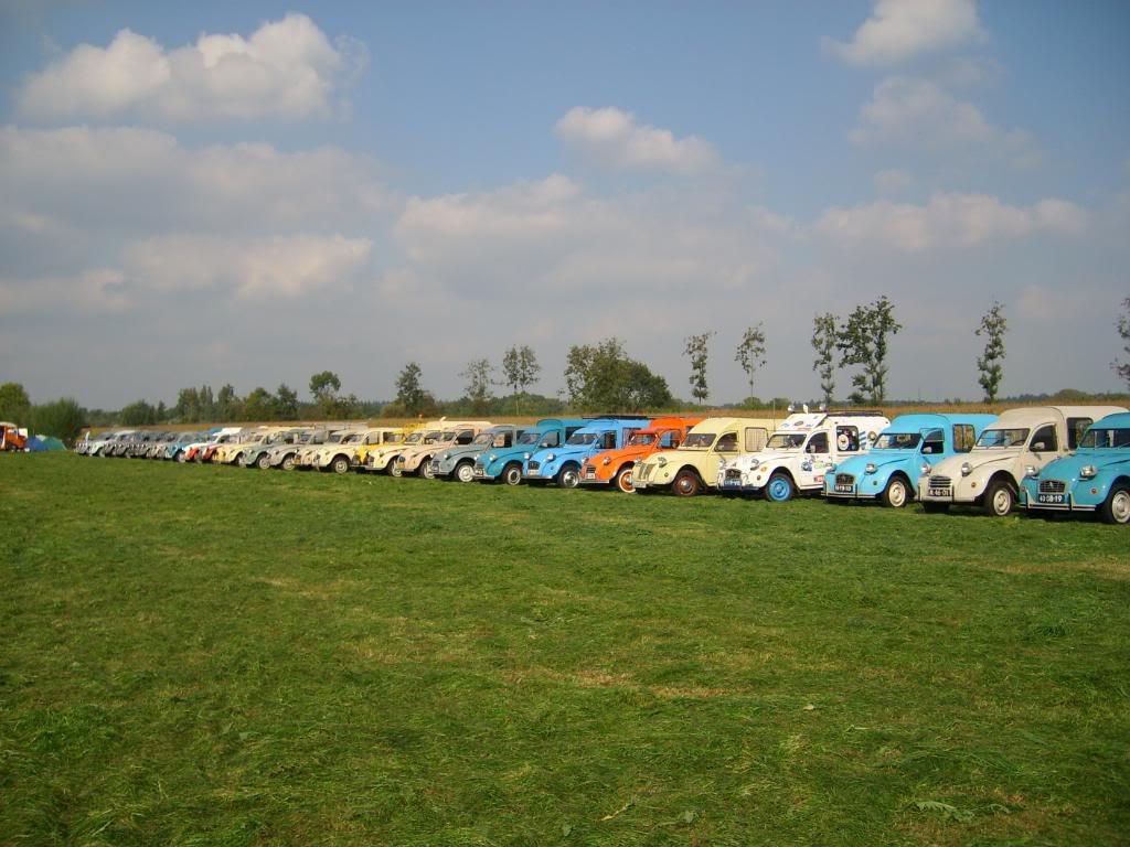 10eme rencontre des 2cv camionettes (Leersum, NL) 25-27 sept STP63997
