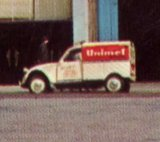 Photos et cartes postale 2cv camionnette  Th_Paris-LeMoulinRouge-